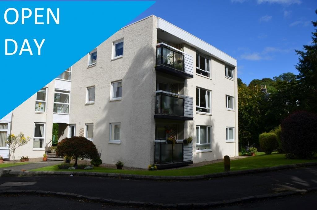 3 Bedrooms Flat for sale in 57 Gillburn Road, Kilmacolm, PA13 4DL
