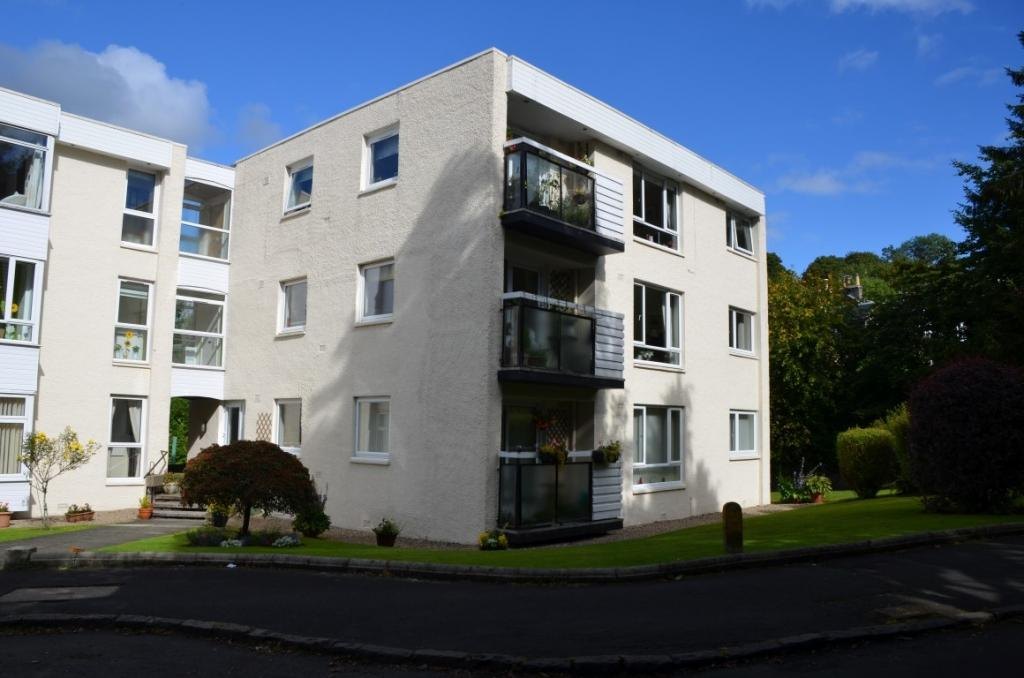 3 Bedrooms Flat for sale in 57 Gillburn Road, Kilmacolm, PA13 4DL