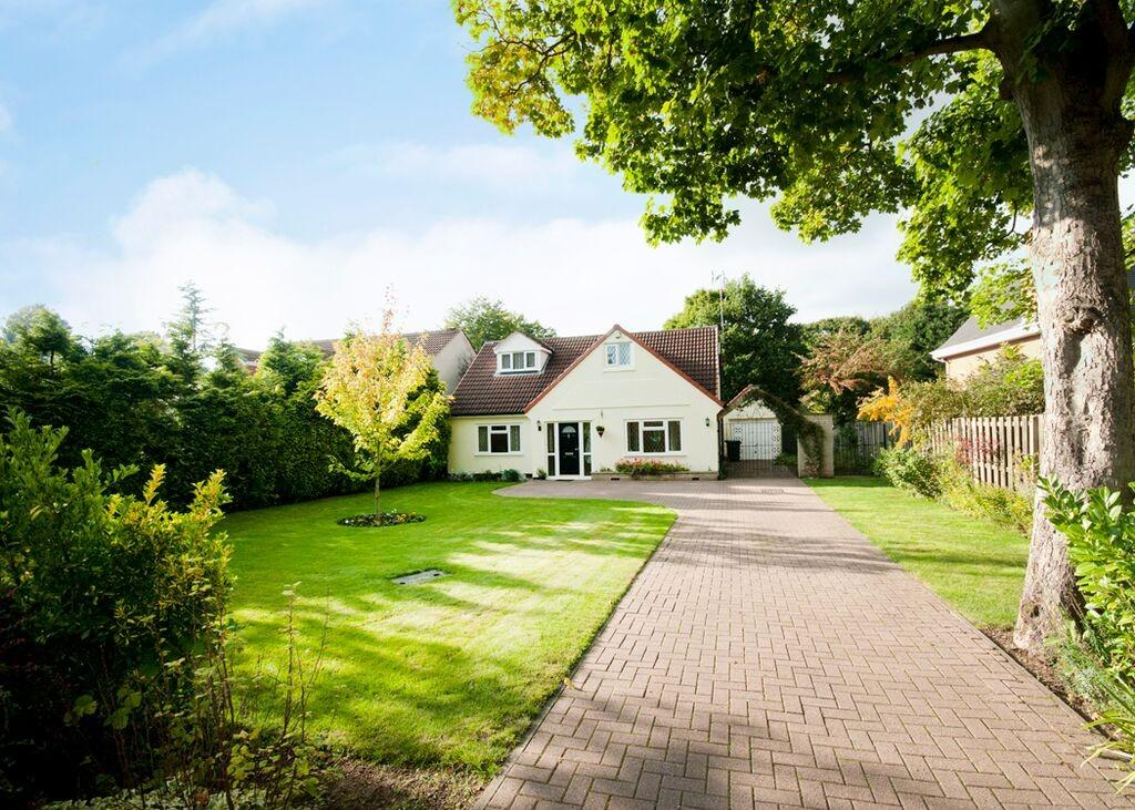 4 Bedrooms Detached Bungalow for sale in 17 St Erics Road, Bessccarr, Doncaster, DN4 6NG