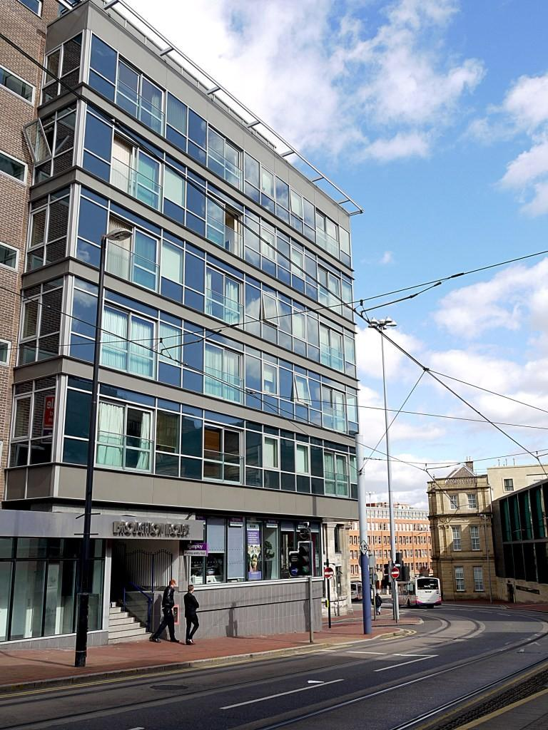 2 Bedrooms Apartment Flat for rent in Broughton House, 50 West Street, Sheffield, S1 4EX