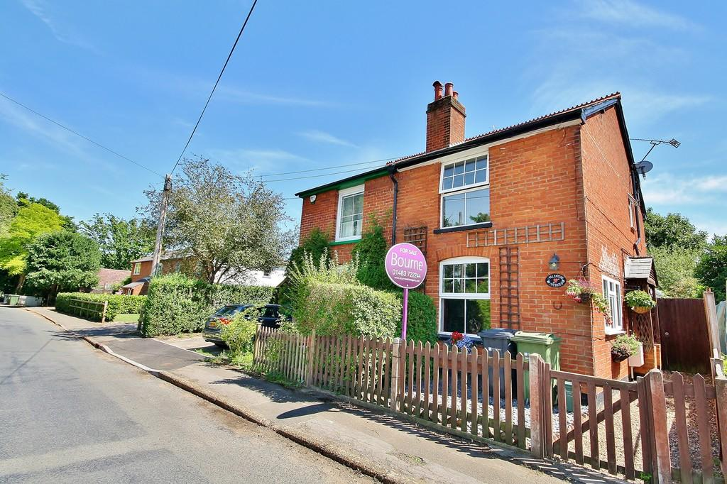 3 Bedrooms Semi Detached House for sale in Send, Surrey