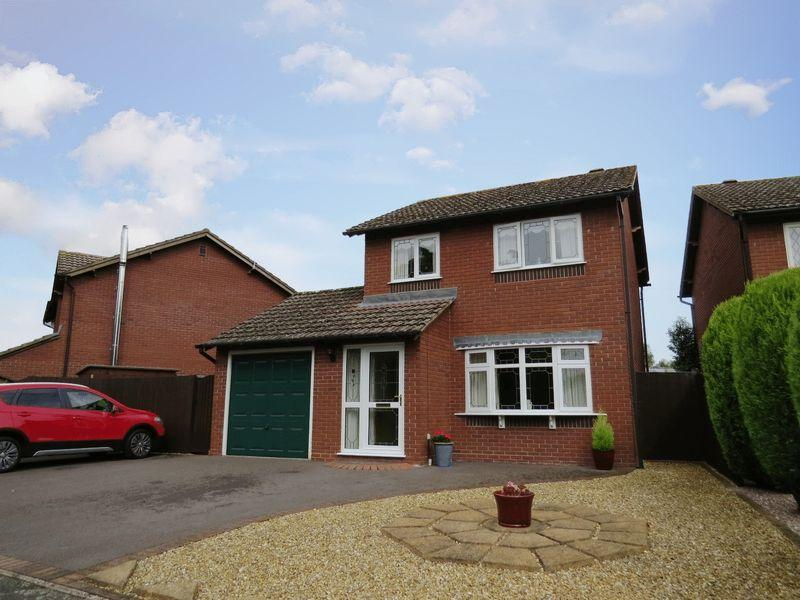 3 Bedrooms Detached House for sale in Earls Hill View, Bicton Heath, Shrewsbury, SY3 5HA