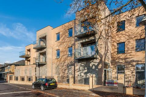 3 bedroom flat for sale - Chantry Court, Kingston upon Thames KT2