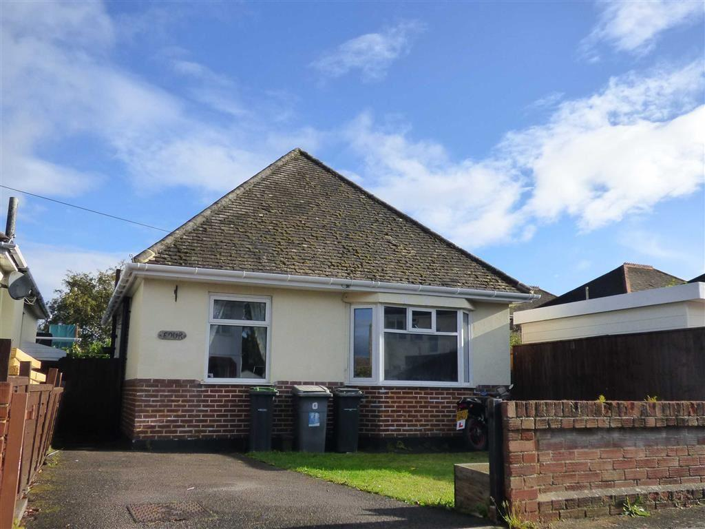 3 Bedrooms Chalet House for sale in Broadhurst Avenue, Bournemouth, Dorset