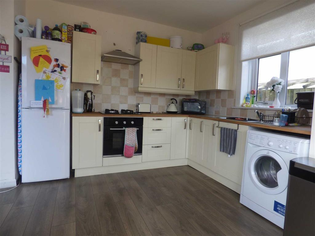 3 Bedrooms Chalet House for sale in Broadhurst Avenue, Northbourne, Bournemouth, Dorset