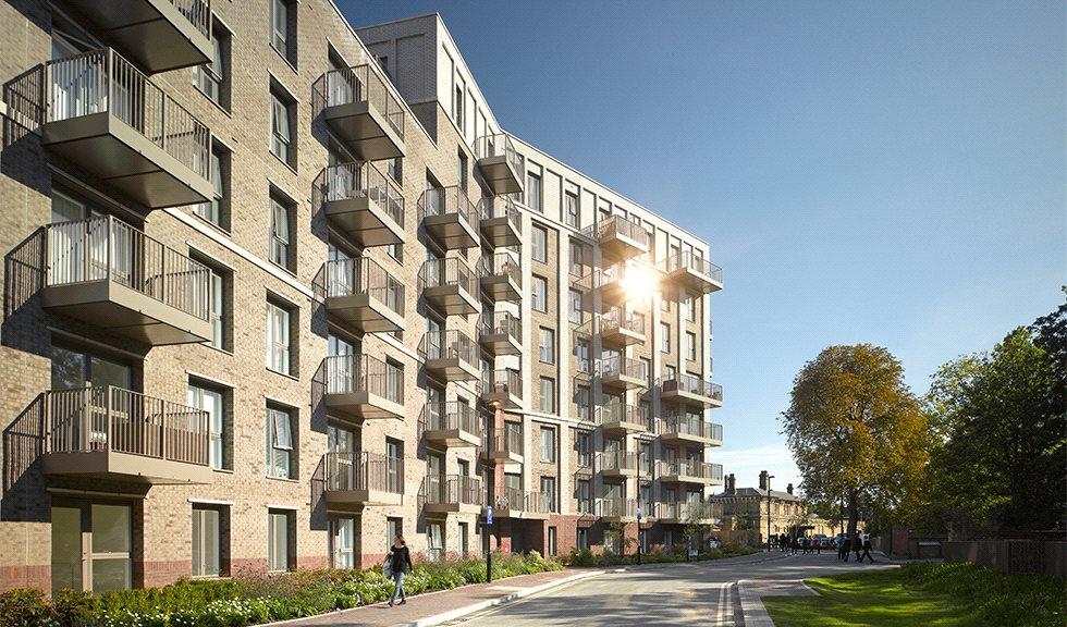 3 Bedrooms Flat for sale in Adenmore Road,, Catford,, London, SE6