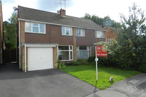 3 bedroom semi-detached house to rent - Lyon Road, Crowthorne
