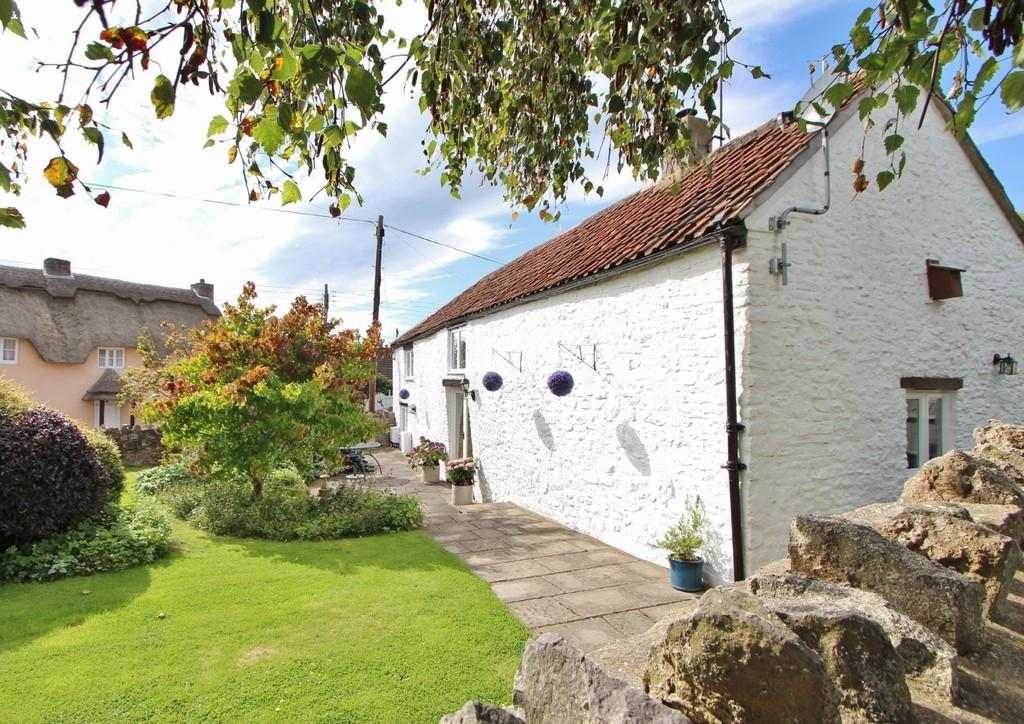 3 Bedrooms Cottage House for sale in Quiet no-through road