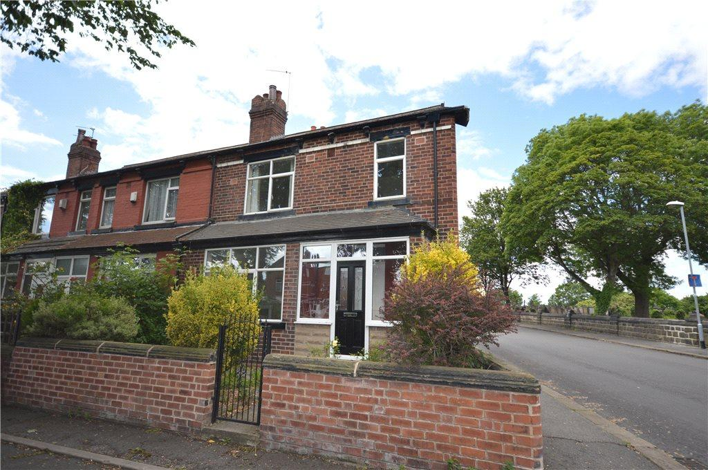 3 Bedrooms Terraced House for sale in Noster Hill, Leeds