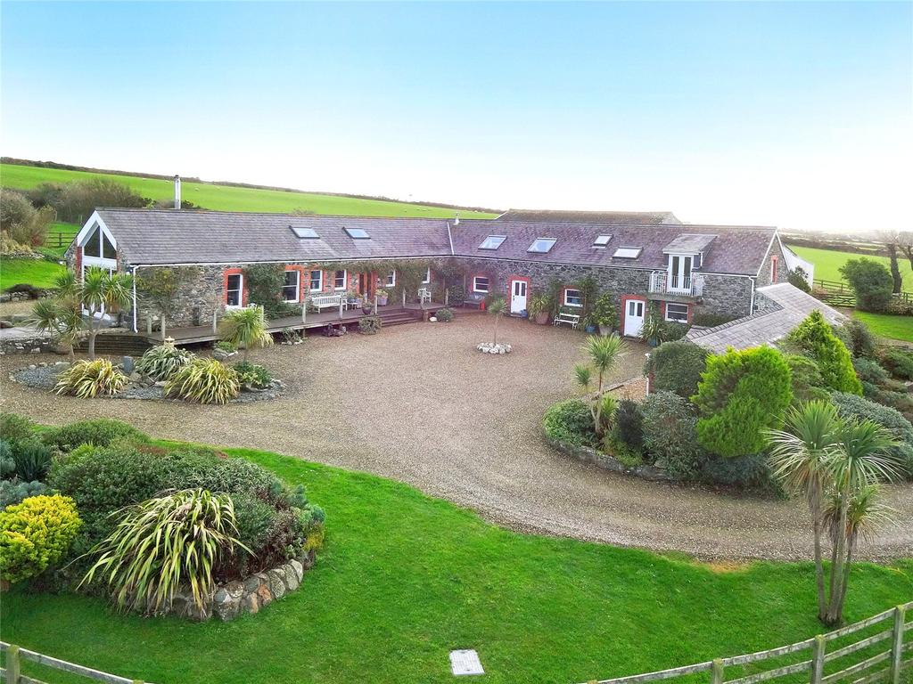 5 Bedrooms Detached House for sale in Nr Fishguard, Pembrokeshire, SA65