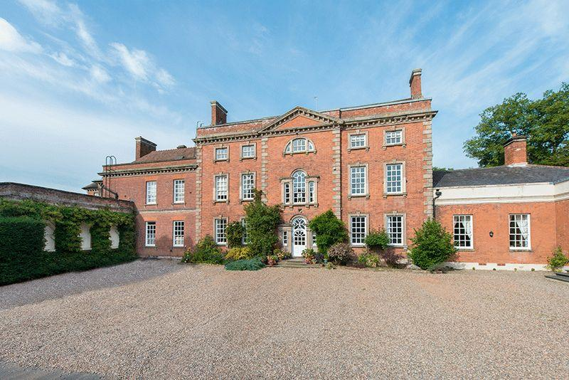 2 Bedrooms Apartment Flat for sale in Wolverley Village DY11 5XE