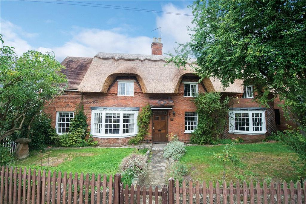 4 Bedrooms Detached House for sale in Banbury Road, Ettington, Stratford Upon Avon, CV37