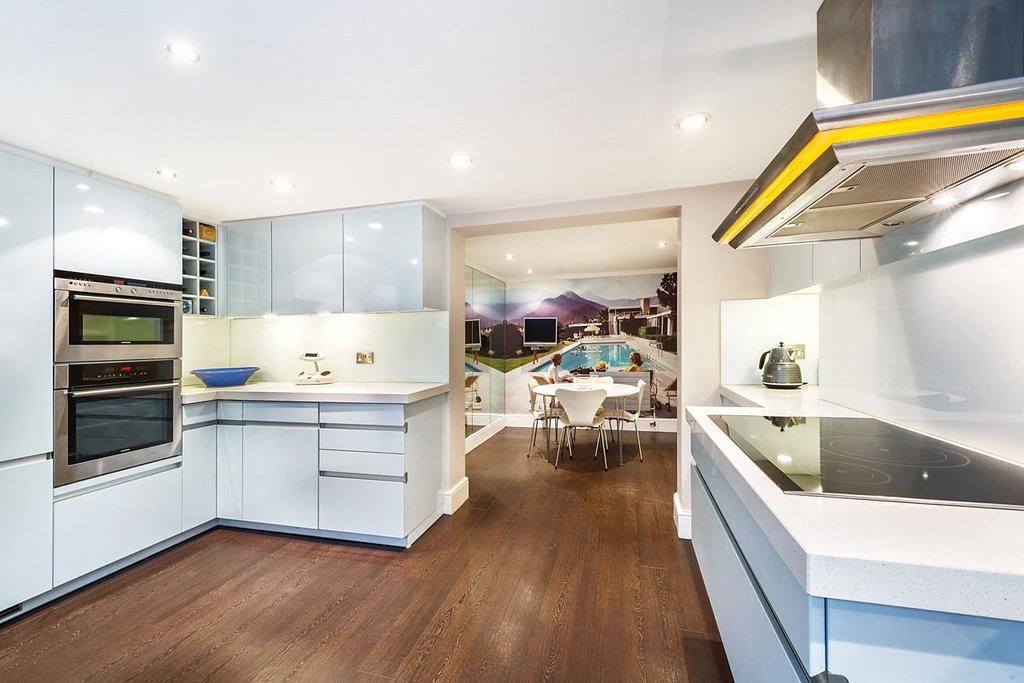 3 Bedrooms Terraced House for sale in Markham Street, London, SW3