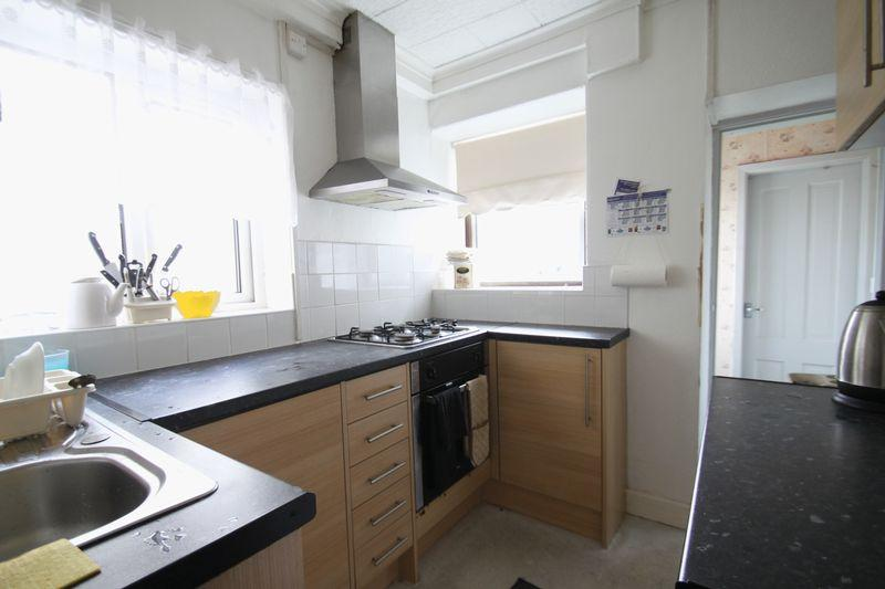 2 Bedrooms Terraced House for sale in Bangor, Gwynedd