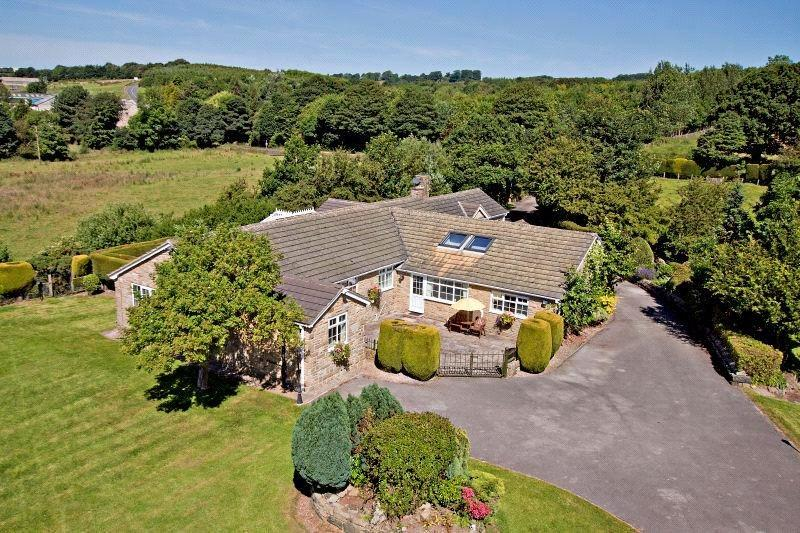 4 Bedrooms Detached Bungalow for sale in Green Banks Farm, Old Otley Road, Bramhope, West Yorkshire, LS16