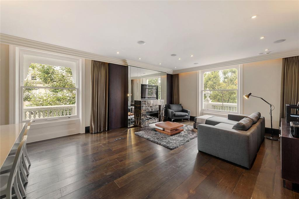 3 Bedrooms Flat for sale in Holland Park, London