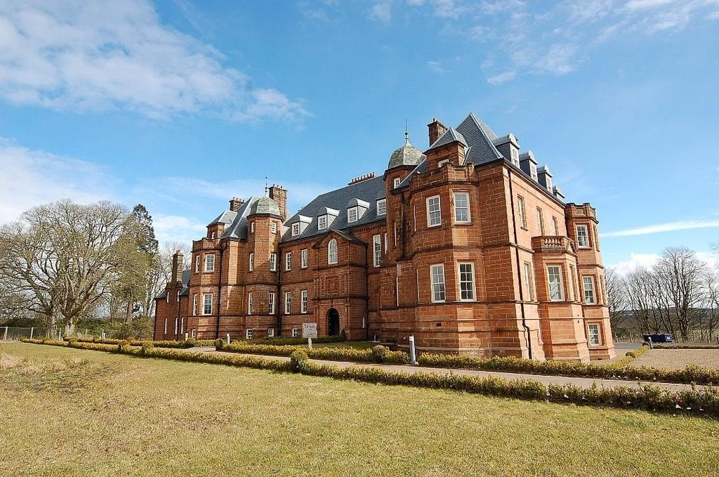 2 Bedrooms Flat for sale in Ballochmyle House, Ballochmyle Estate, Mauchline, Ayrshire, KA5 6JZ