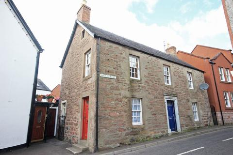 2 bedroom flat to rent - Hay Street, Coupar Angus, Perthshire, PH13 9BL