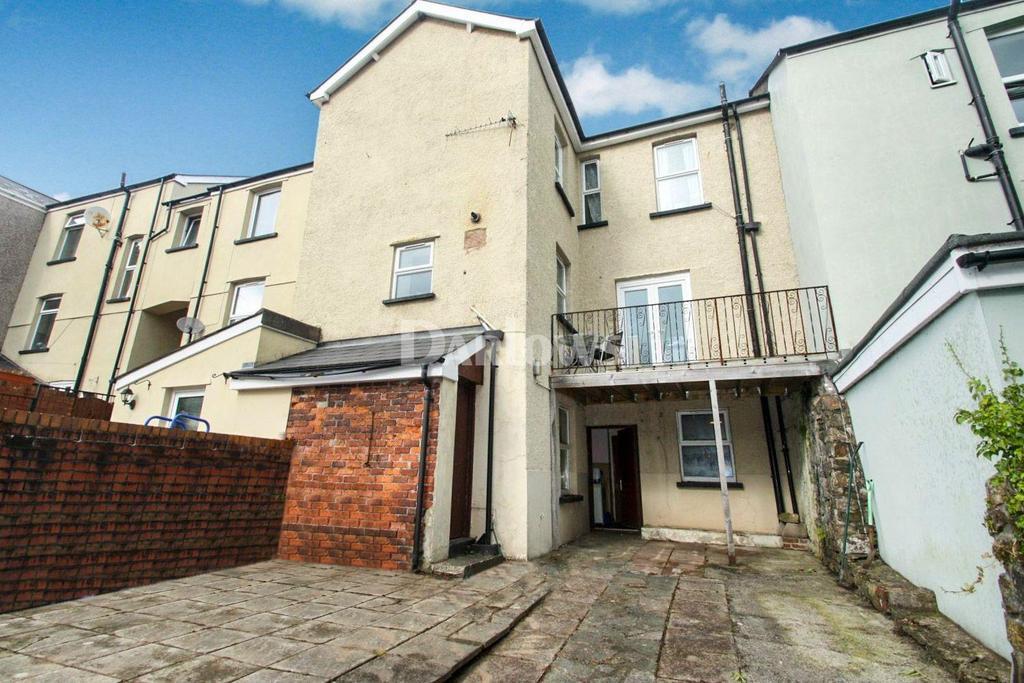 3 Bedrooms Terraced House for sale in High Street, Pontypool