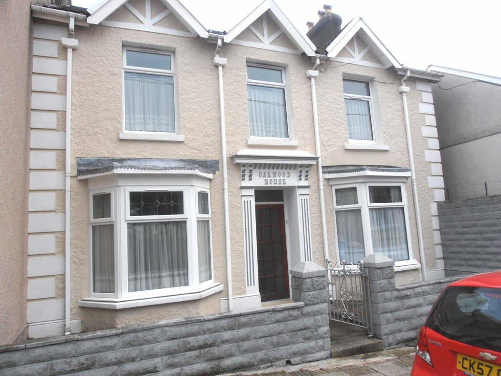 4 Bedrooms Semi Detached House for sale in Davis Street, Aberaman, Aberdare