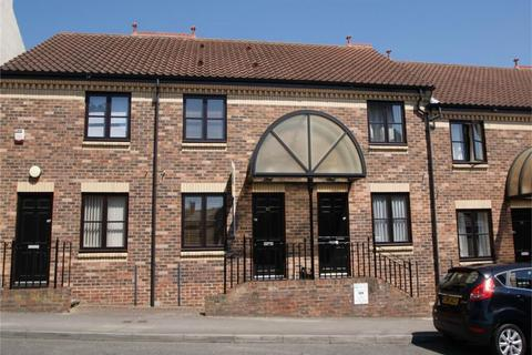 2 bedroom townhouse for sale - Clementhorpe, South Bank, YORK