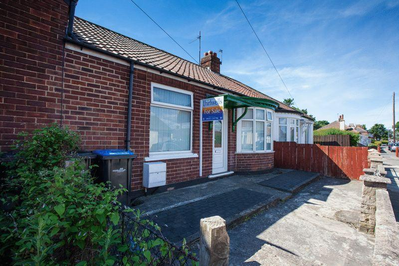 2 Bedrooms Bungalow for sale in 59 Highfield Road Longlands