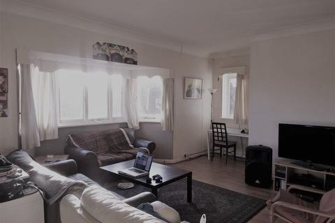 6 bedroom flat to rent - Haddon Hall