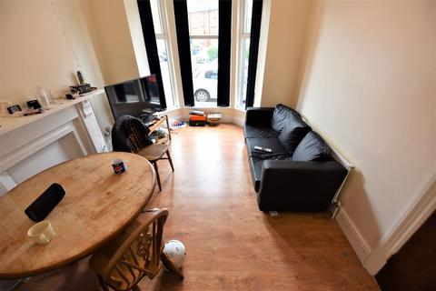 4 bedroom house to rent - Hessle Place