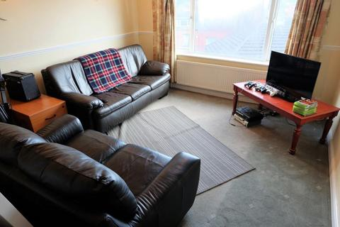2 bedroom flat to rent - Knowle Mount