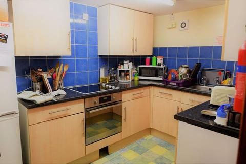 4 bedroom house to rent - John Street