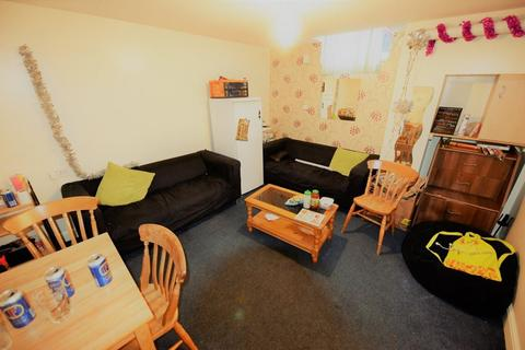 4 bedroom house to rent - Elizabeth Street