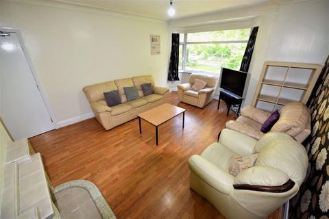 6 bedroom flat to rent - 295 Otley Road