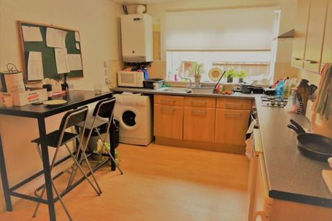3 bedroom house to rent - St Johns Close