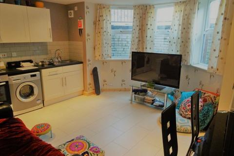 1 bedroom flat to rent - Midland Road
