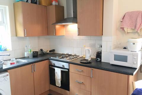 3 bedroom house - Brudenell Road