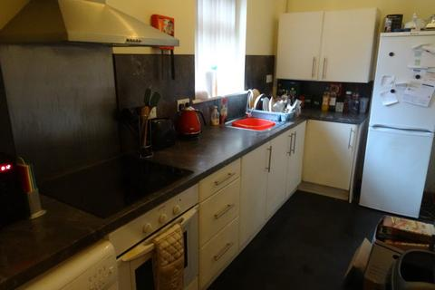 3 bedroom flat to rent - Low Close Dwellings