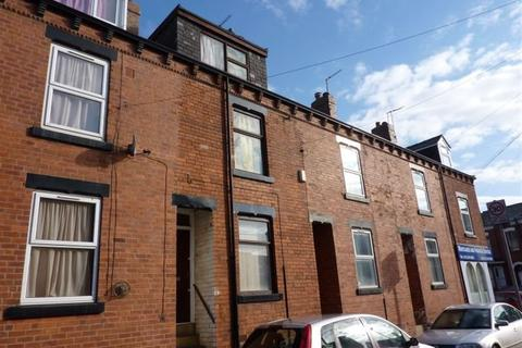 3 bedroom house to rent - Burley Lodge Terrace
