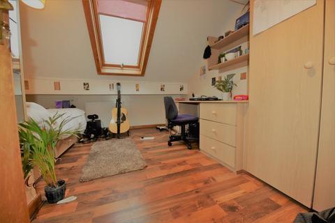 6 bedroom flat to rent - Brudenell Road
