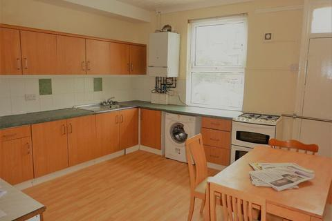 4 bedroom house to rent - Brudenell View