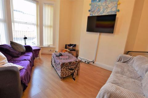 4 bedroom house to rent - Walmsley Road