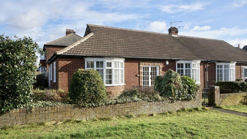 2 Bedrooms Semi Detached Bungalow for sale in BENTON ROAD, Benton