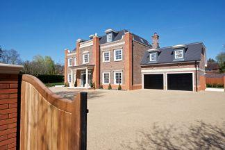 6 Bedrooms Detached House for sale in Christchurch Road, Wentworth, Surrey