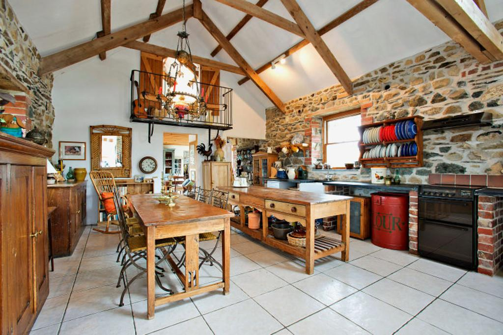 5 Bedrooms Barn Conversion Character Property for sale in Tresior Swallow Barn