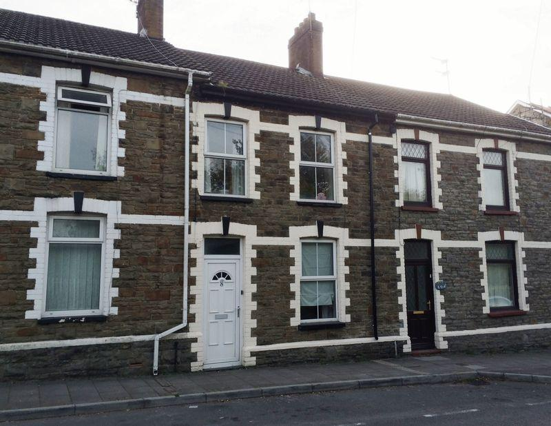 3 Bedrooms Terraced House for rent in Station Terrace, Pontyclun, CF72 9ES
