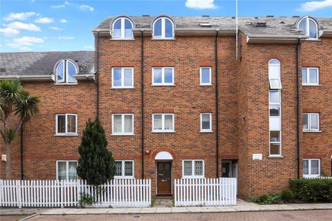 1 bedroom flat to rent - Royal Victor Place, Old Ford Road, London, E3