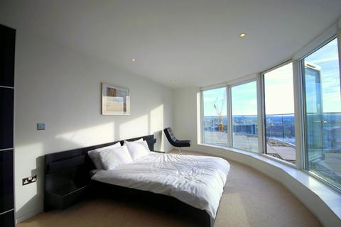 2 bedroom flat to rent - Ability Place, Canary Wharf, London