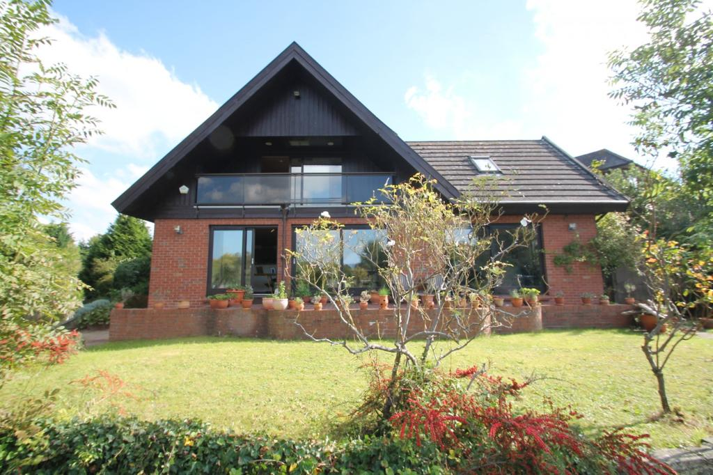 4 Bedrooms Detached House for sale in The Island, Wraysbury, TW19