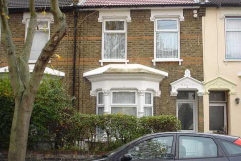 3 bedroom terraced house to rent - Lincoln Road, Forest Gate