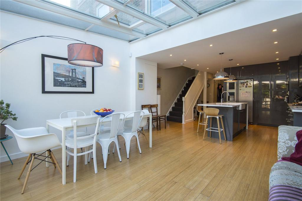 3 Bedrooms House for sale in Leopold Mews, London, E9