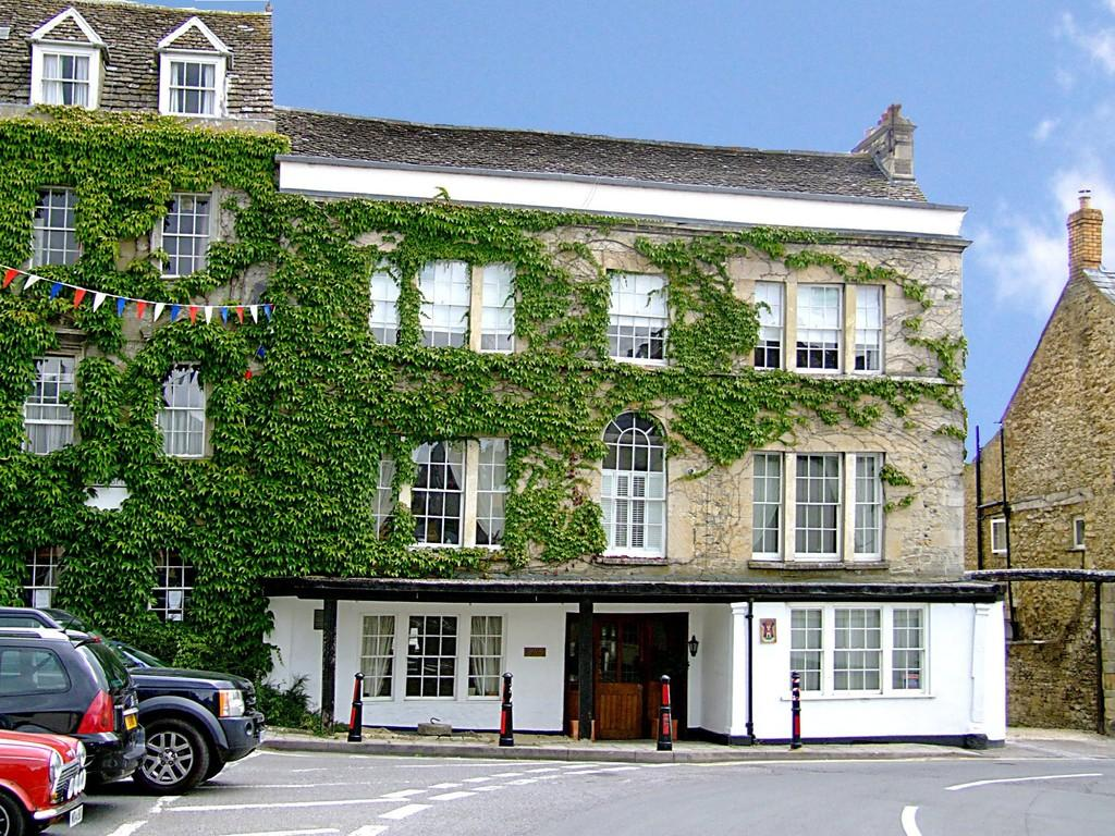2 Bedrooms Apartment Flat for sale in Tetbury